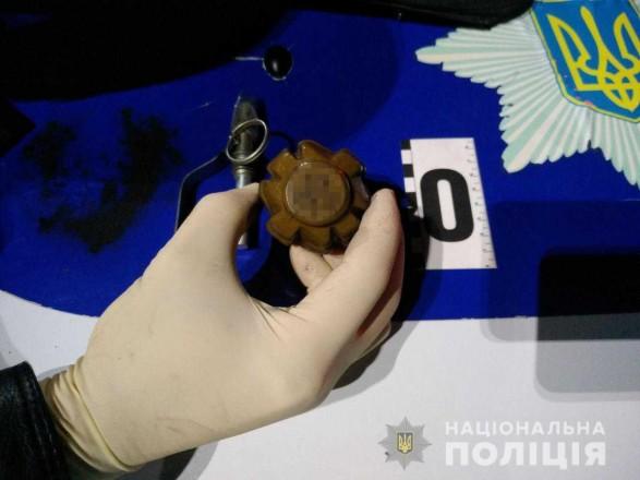 В Одесской области пьяный мужчина пришел на АЗС с гранатой в кармане
