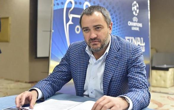 Ассоциация футбола отдает свой транспорт врачам по всей Украине