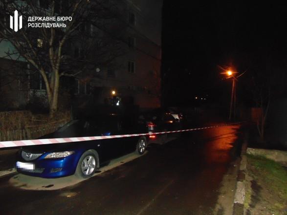 В Николаеве нетрезвый полицейский три раза выстрелил в мужчину из-за замечания