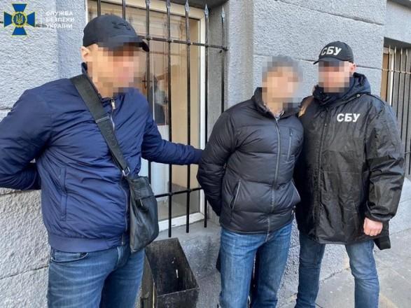 В Харькове разоблачили во взятке в 1,5 тыс. долл. военного медика Нацгвардии