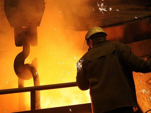 Спад промышленного производства в марте достиг 7,7%