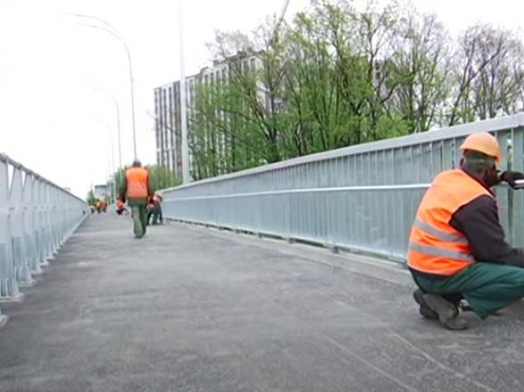 С сегодняшнего дня проезд Борщаговским путепроводом в сторону Кольцевой дороги перекроют
