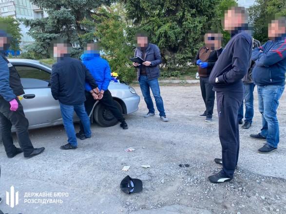 В Запорожской области полицейского поймали на сбыте наркотиков