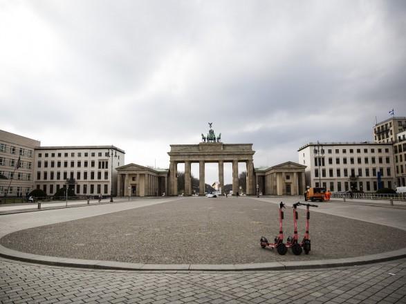 Пандемия: от COVID-19 в Германии умерли еще 42 человека, в целом 8 216 жертв