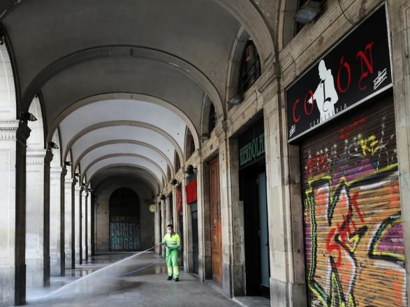 Испания объявила об открытии границ для туристов с июля