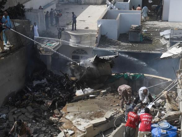 Авиакатастрофа в Пакистане: украинский на борту не было - МИД