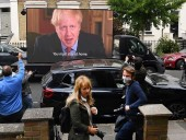 Британський прем'єр-міністр не став відправляти у відставку свого головного радника через порушення карантину