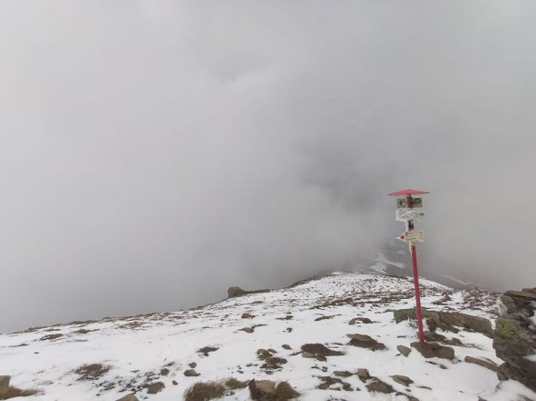 Высокогорье Карпат засыпало снегом