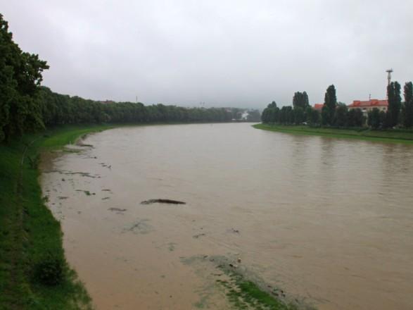 Украинские предупредили о повышении уровня воды в реках