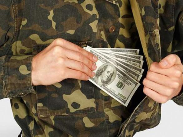 На хабарях з початку року затримали вже 16 військових