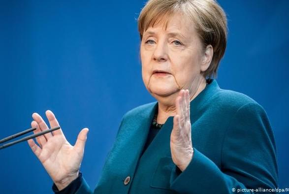 Меркель связала снятие санкций с России с выполнением минских соглашений