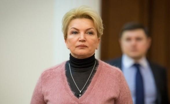 Суд отменил меру пресечения Богатыревой