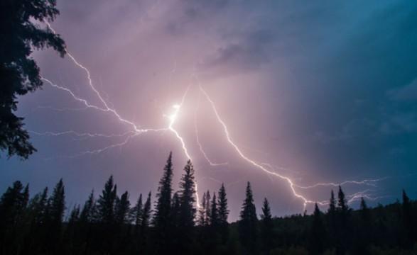 Во Львовской области молния убила несовершеннолетнего