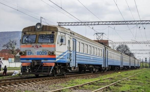 На западе Украины возобновили движение 10 пригородных поездов