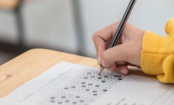 В этом году более 275 тыс. абитуриентов приняли участие в ВНО по украинскому языку и литературе