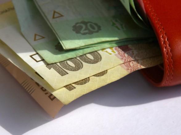 Реальная зарплата в Украине за год выросла на 1,4%