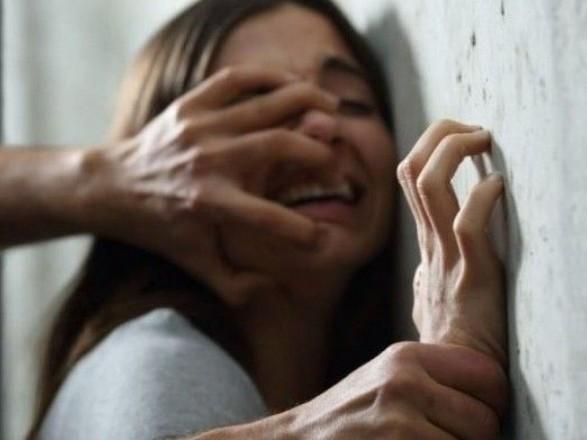 В Херсоне мужчина пытался изнасиловать несовершеннолетнюю
