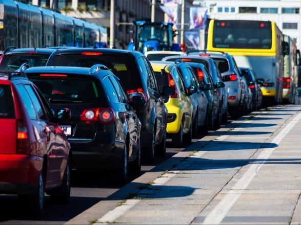 В Киеве утром образовались пробки
