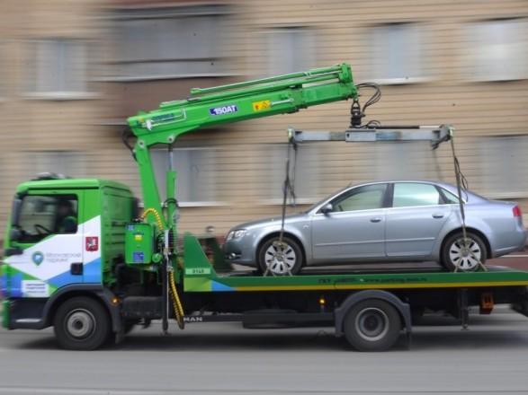 В Киеве будут эвакуировать припаркованные на велополосах автомобили - КГГА