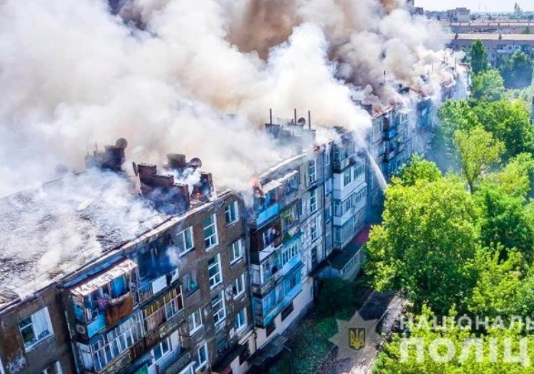 В Новой Каховке потушили пожар в пятиэтажке, вероятного виновника задержали