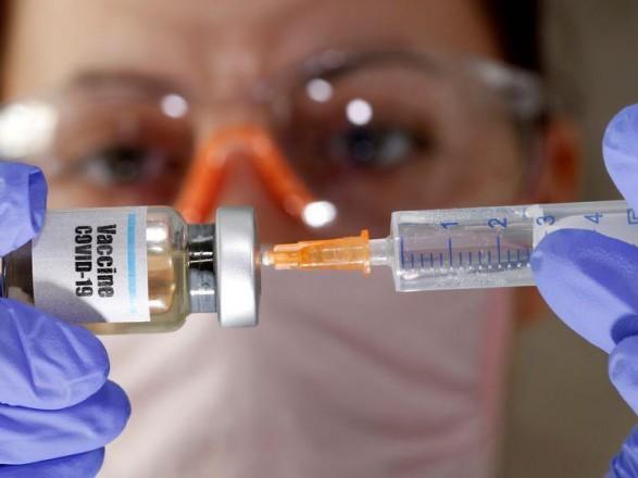 ЄС хоче прискорити випробування вакцин від коронавірусу