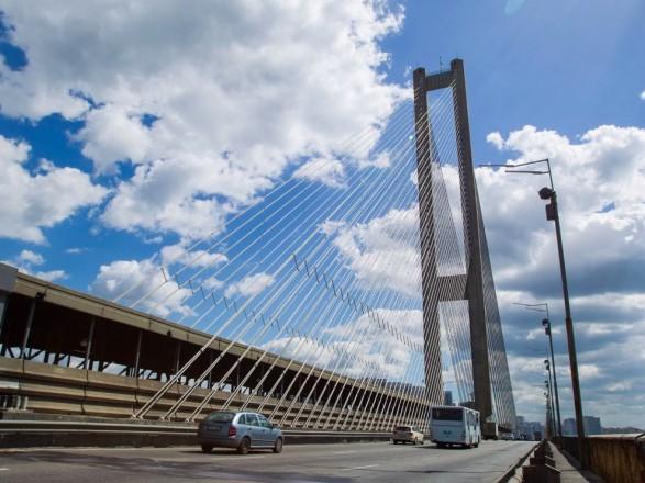 В КГГА предупредили об ограничении движения транспорта на съезде с Южного моста