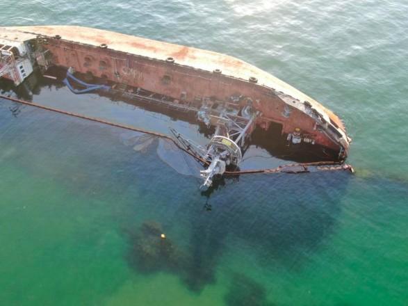 В Одесском горсовете прокомментировали поднятие танкера Delfi: работают эксперты