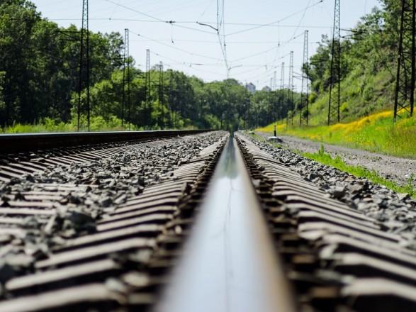Во Львове поезд сбил 78-летнего мужчину