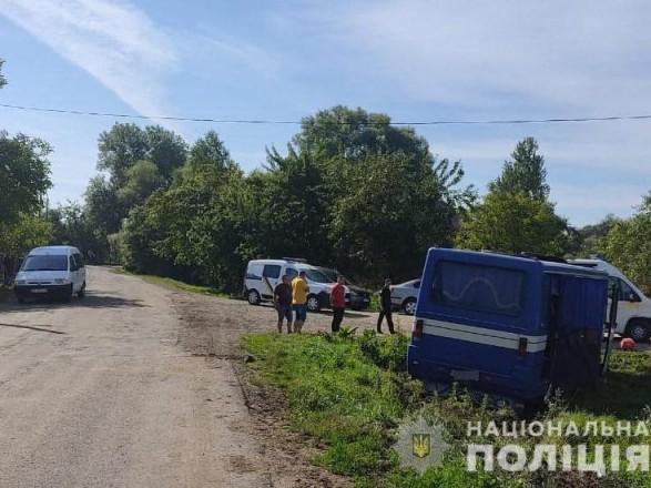 Во Львовской области автобус вылетел в кювет, травмированы семь пассажиров