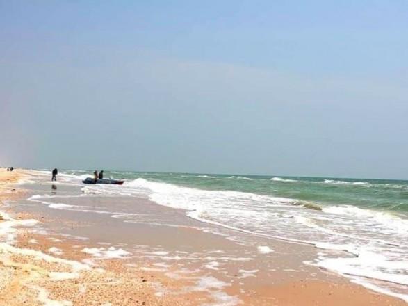 На Арабатской стрелке полицейский спасал детей и утонул