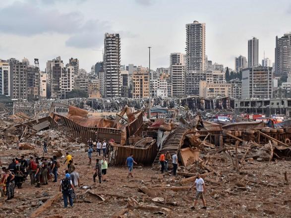 """Взрыв в Ливане: Трамп заявил о """"чудовищной атаке"""" на Бейрут и допустил наличие """"какой-то бомбы"""""""