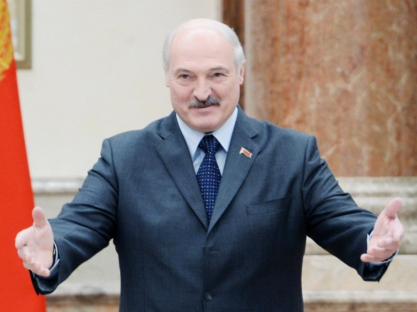 """Помощь РФ по безопасности """"при первом запросе"""": Лукашенко заявил, что договорился с Путиным"""