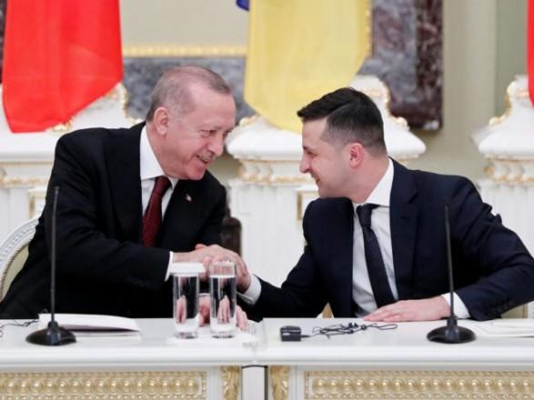Эрдоган по телефону пригласил Зеленского в Турцию и поздравил с Днем Независимости