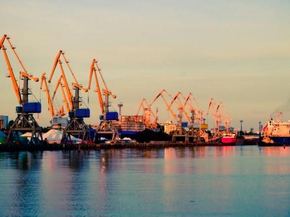Задача Президента: в IFC рассказали, как правительство и Рада справились с концессией портов