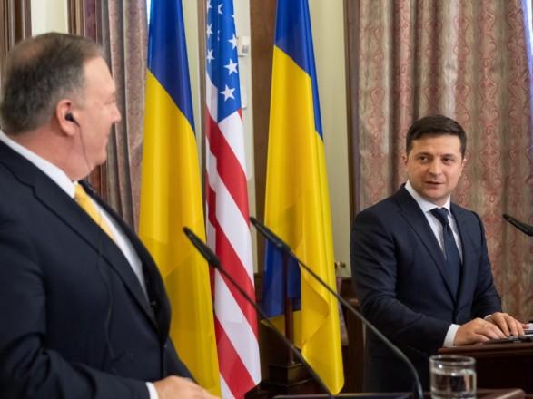 Зеленский - Помпео: не допущу вмешательства Украины в американские выборы