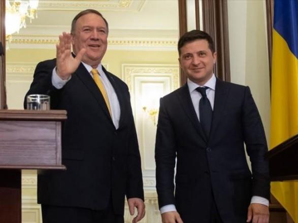 В Госдепе США сообщили новые подробности разговора Помпео и Зеленского