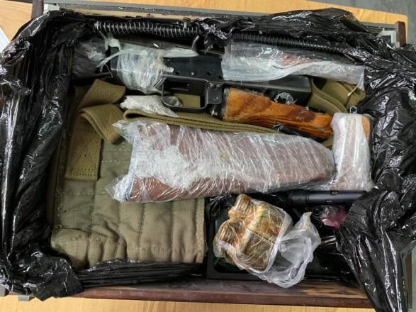 С начала года в Киеве зафиксирован 91 факт перемещения оружия международными посылками