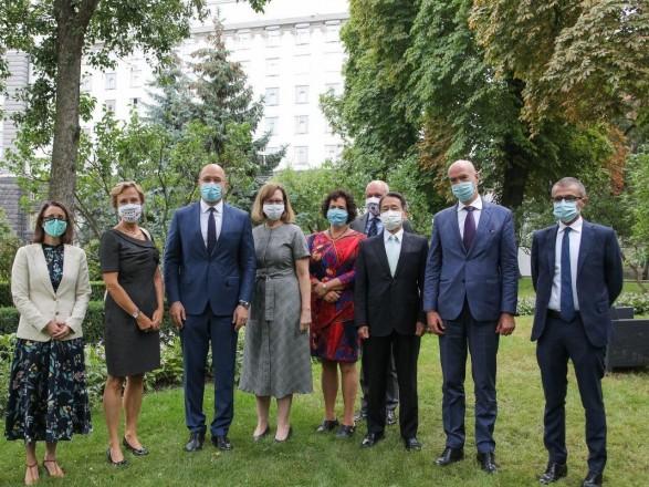 Шмыгаль обсудил с послами G7 местные выборы в Украине