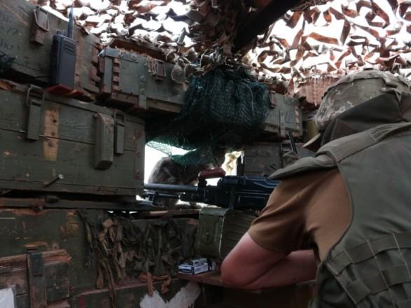 ООС: с начала суток боевики дважды обстреляли украинские позиции, есть раненый
