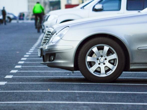 В столице в прошлом месяце за неправильную парковку эвакуировали около 4 тысяч авто