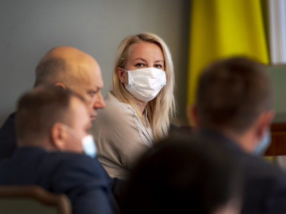 Обеспечить вакцинами: Зеленский поручил создать центр для сотрудничества между научными учреждениями и производством