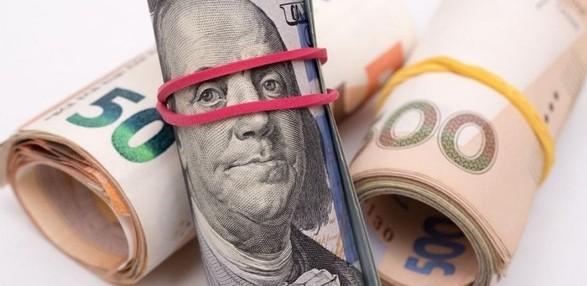 ВР приняла законопроект о моратории на взыскание имущества по кредитам с предложениями Зеленского