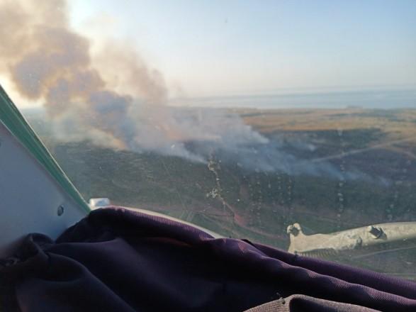 Масштабный лесной пожар в Херсонской области: привлекли авиацию и пожарные танки