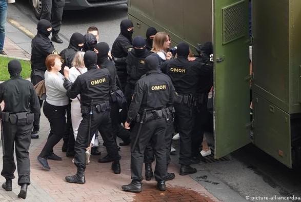 Беларусь должна прекратить массовые нарушения прав человека – еврокомиссар