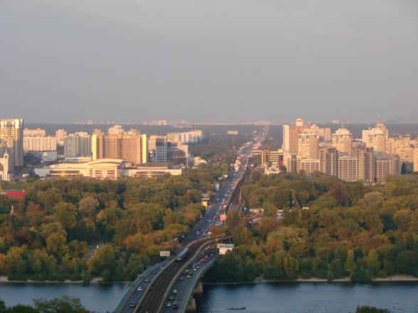 """В """"Киевавтодоре"""" сообщили об ограничении движения транспорта в трех районах столицы"""