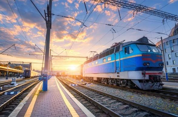 Укрзалізниця відновлює курсування приміських поїздів сполученням Харків - Золочів