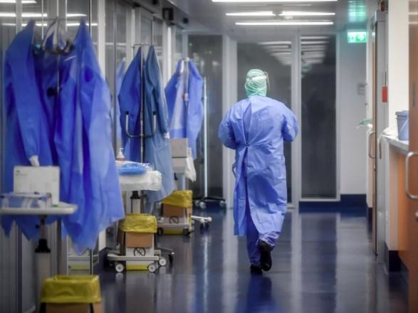 """В Украине в больницах находятся более 12 тыс. """"коронавирусных"""" пациентов"""