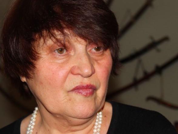 Жену Мустафы Джемилева экстренно эвакуировали в турецкую клинику