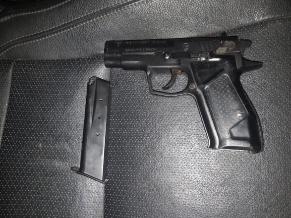 Украинец, направляясь в Беларусь, прихватил с собой пистолет