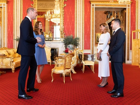 Подружжя Зеленських поділилось враженнями від зустрічі з королівською родиною